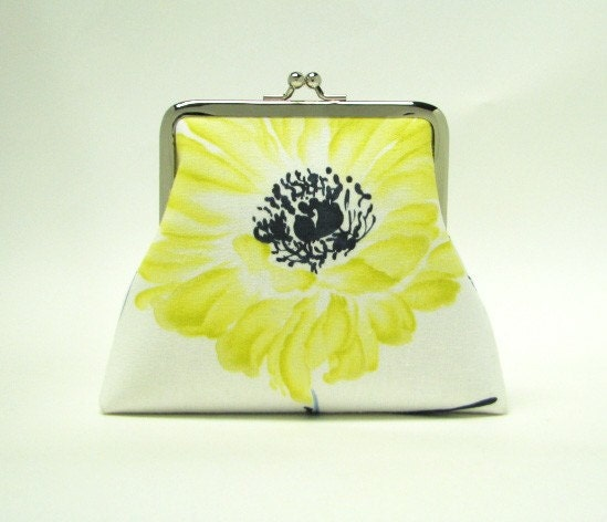 Iphone Inn & purse - 2 card pockets, 5 in - Yellow flower in white