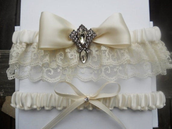 Items similar to ivory garter bridal lingerie in ivory for Garter under wedding dress