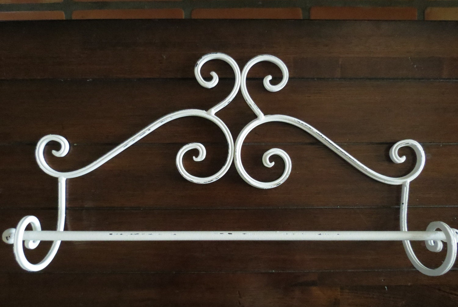 Shabby chic towel bar antique white towel hanger for Handtuchhalter vintage