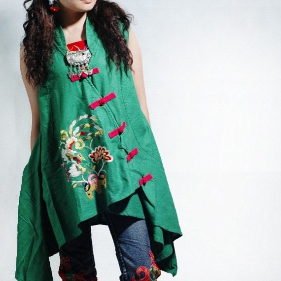 Butterflies fluttering / tops sleeveless embroidered vest