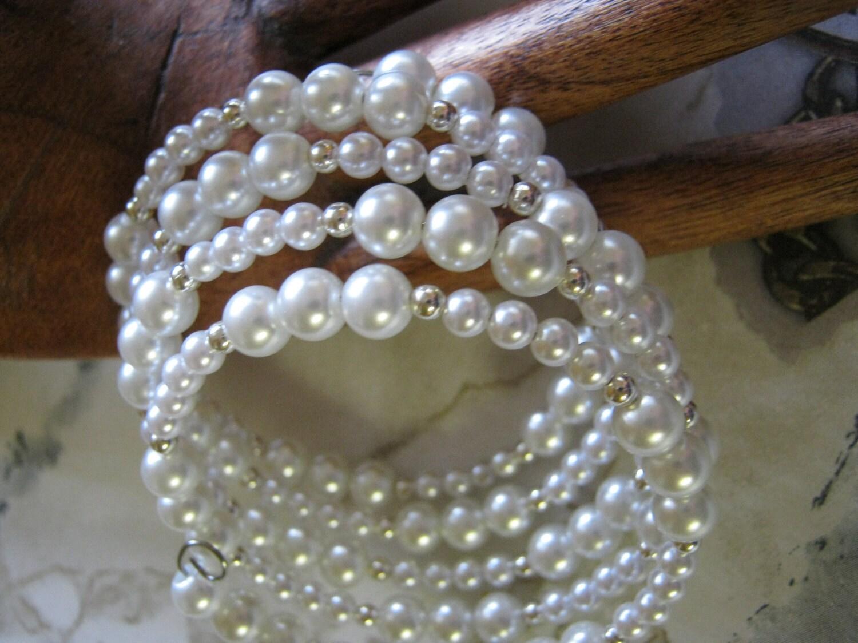 White Pearl Bracelet - janislogsdongems