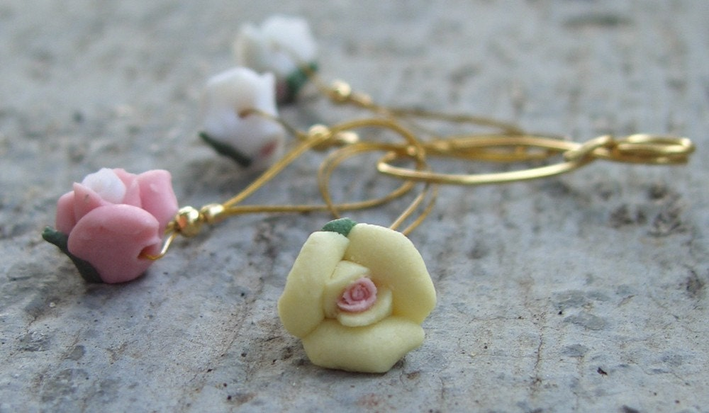 Treat yourself or a friend to stitchmarkers... Roses