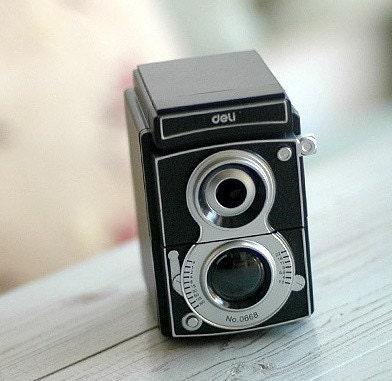 Deli Classic  Camera Pencil Sharpener