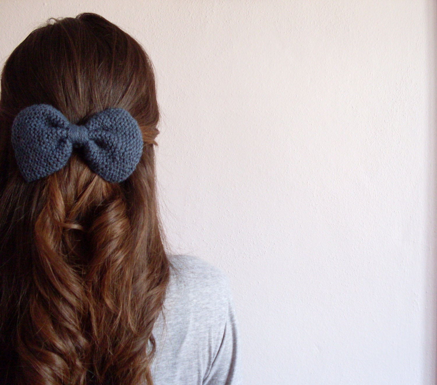 Hand Knit Bow Hair Clip in Grey Blue - theknittingsea