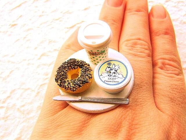 Coffee Bagel Cream Cheese Ring via @etsy