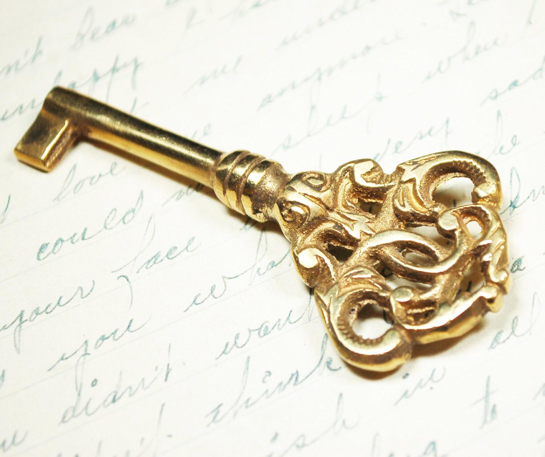 Antique skeleton key ornate vintage key in gold by for Antique looking keys