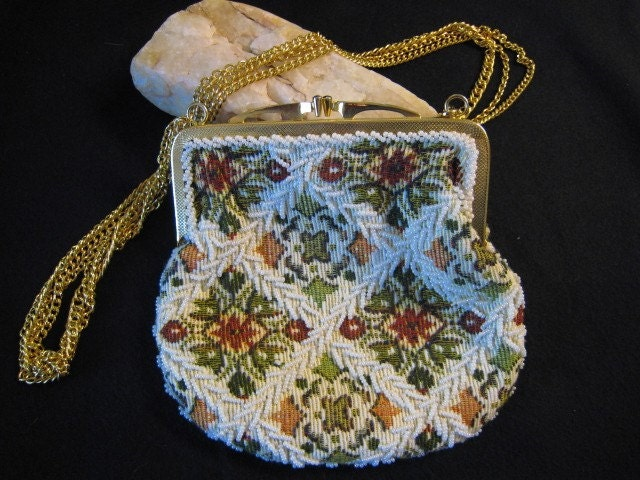 BROCADE BEAUTY-Perfect Party Purse