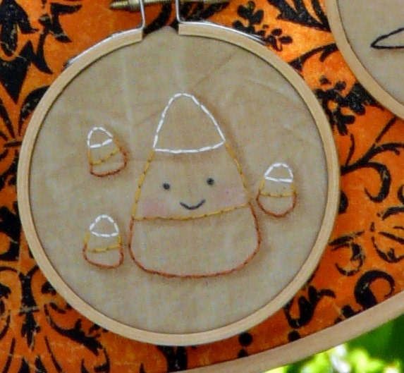 2012 mini Halloween hoop embroidery E Pattern PDF stitchery 20 designs pumpkin witch bat pumpkin monsters candy corn prim primitive