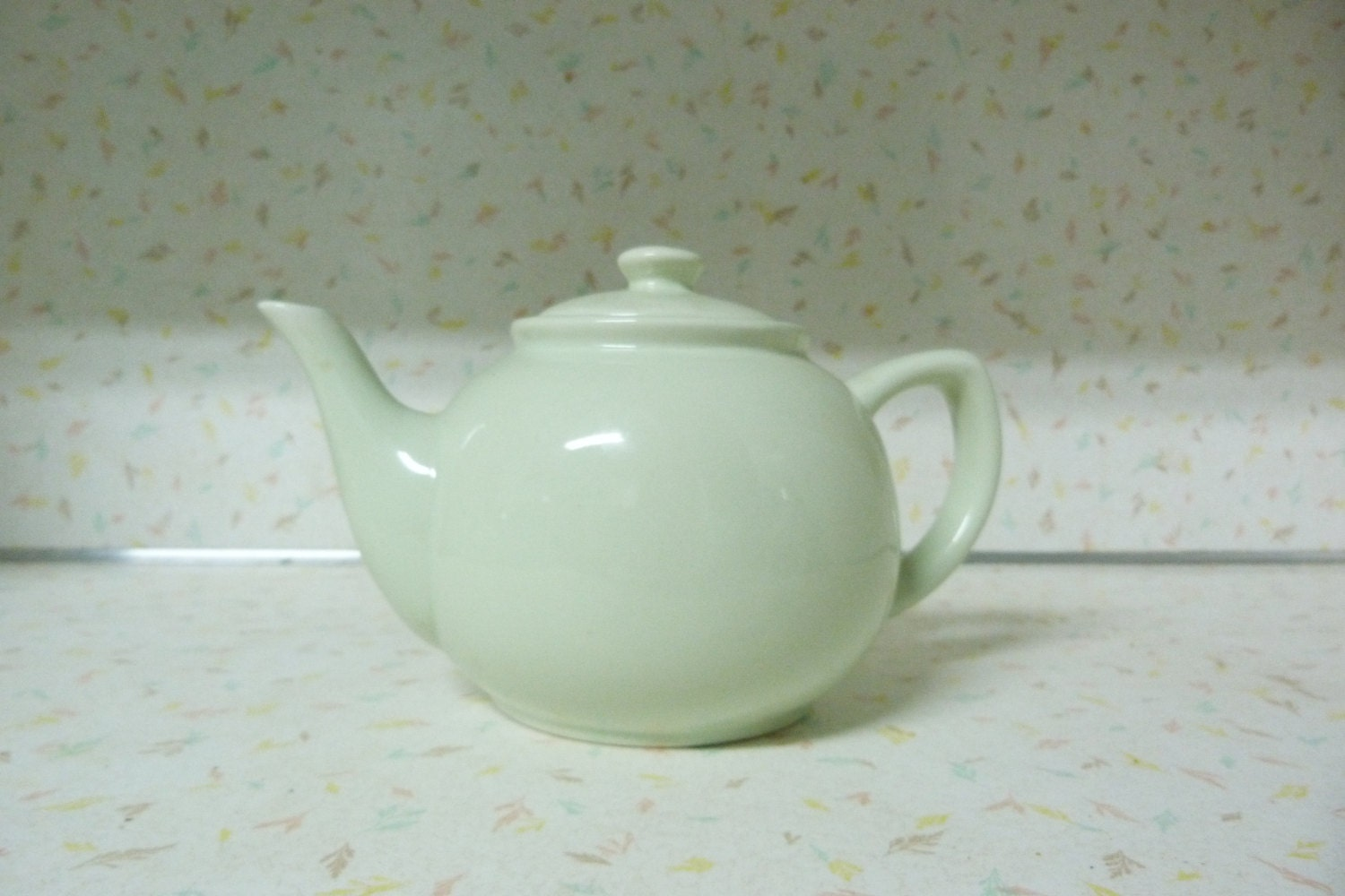 1940's-50's Light Mint Green Teapot Mid Century Modern So Cute Vintage Mint Green Teapot - RavishingRetro