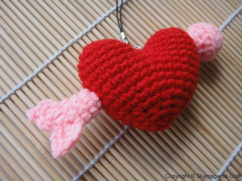 Crochet Cell Phone Charm - Heart with Arrow - Valentine