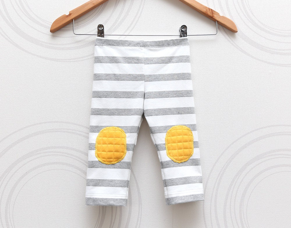 Stripe toddler knee pad leggings Grey and white with yellow pads //  size US1 (EU80) Ready to ship - ZanziBach