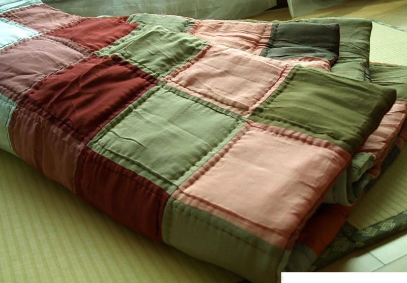 Silk Padded Patchwork Quilt Blanket - Coral