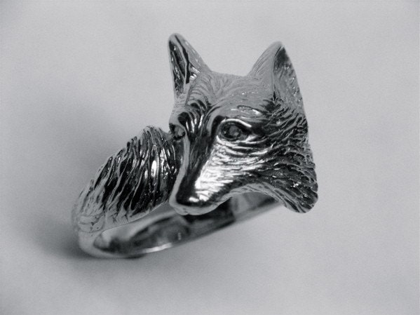 red fox eyes. and accurate red fox ring