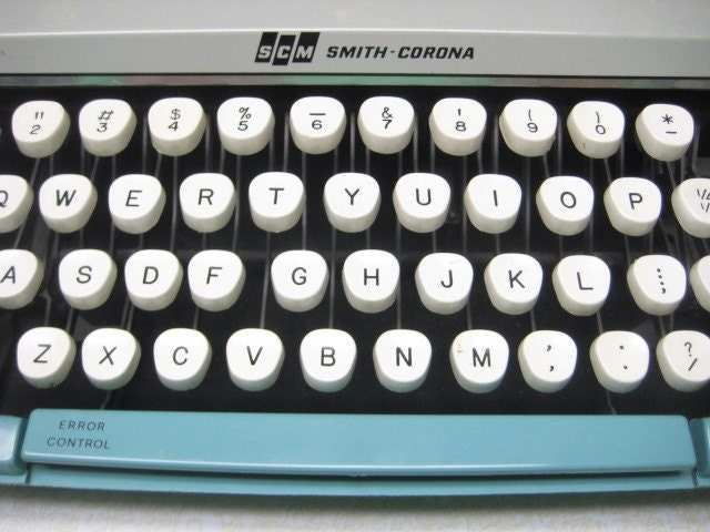 Vintage Smith-Corona Portable Typewriter Baby Blue Corsair Deluxe