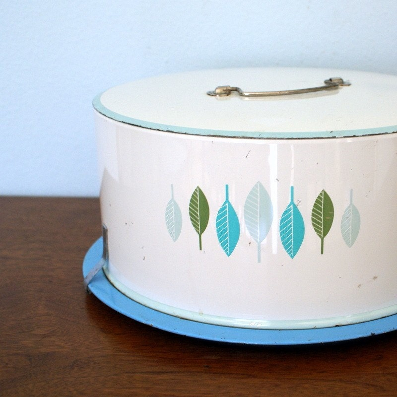Vintage Decoware Aluminum Cake Carrier With Mod Leaves in Shades of Turqouise, Mint and Green