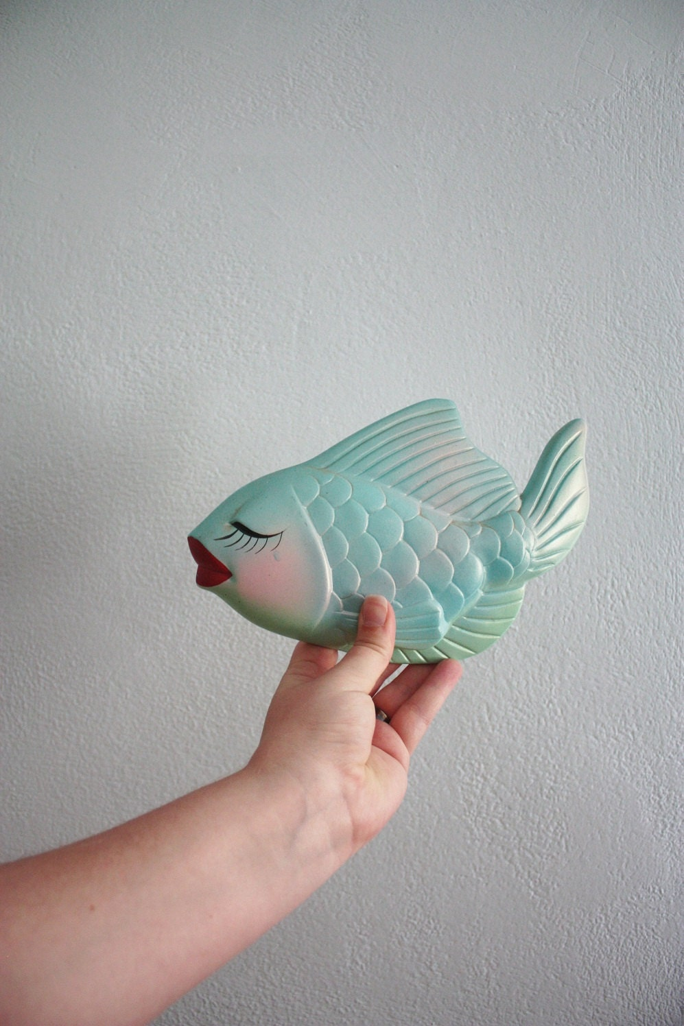 vintage 60s chalkware fish - Pucker Up pastel blue pink with ruby red lips and long eyelashes kitsch - BombshellsandBabes