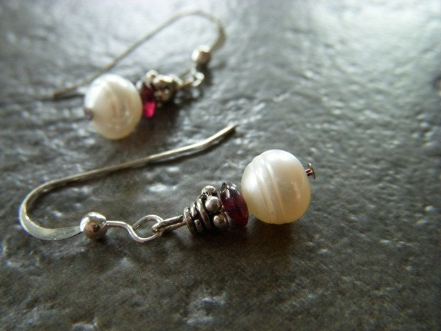 Pearl Earrings of Ivory White Freshwater and Garnet Gemstone on Sterling French Wire - Sophie