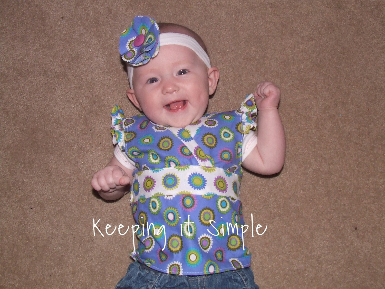 Adorable 0 to 3 Months v-neck shirt