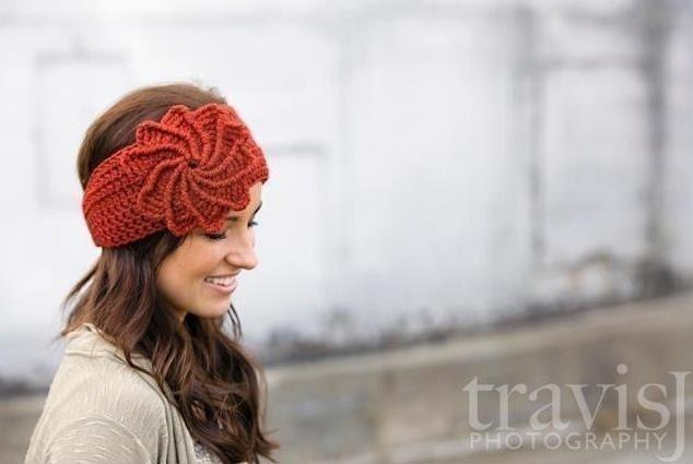 Crochet a Spiral Scarf - Free Crochet Pattern