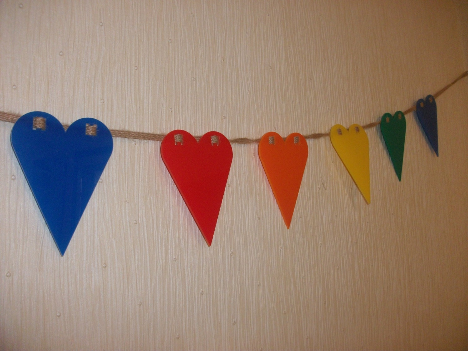 Rainbow Coloured AcrylicPlastic Heart Bunting x 10 including 2m of Rustic Twine