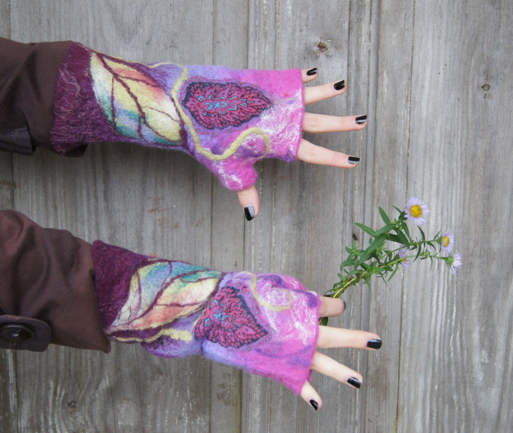 Hand felted mittens , lavender purple, decorated with silk fabric, leaves and natural silk yarn . OOAK - filcAlki