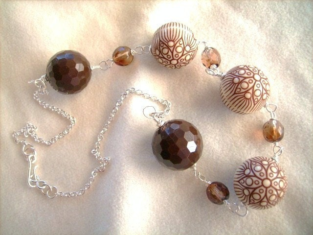 Chocolate and cream chunky bead necklace