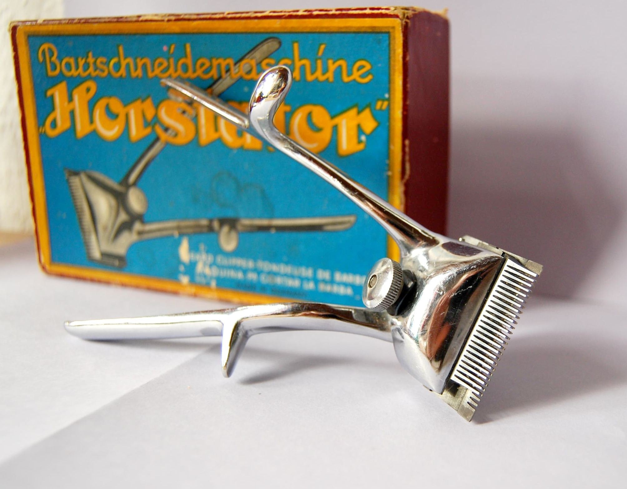 vintage manual beard trimmer from german city of by spacejam. Black Bedroom Furniture Sets. Home Design Ideas