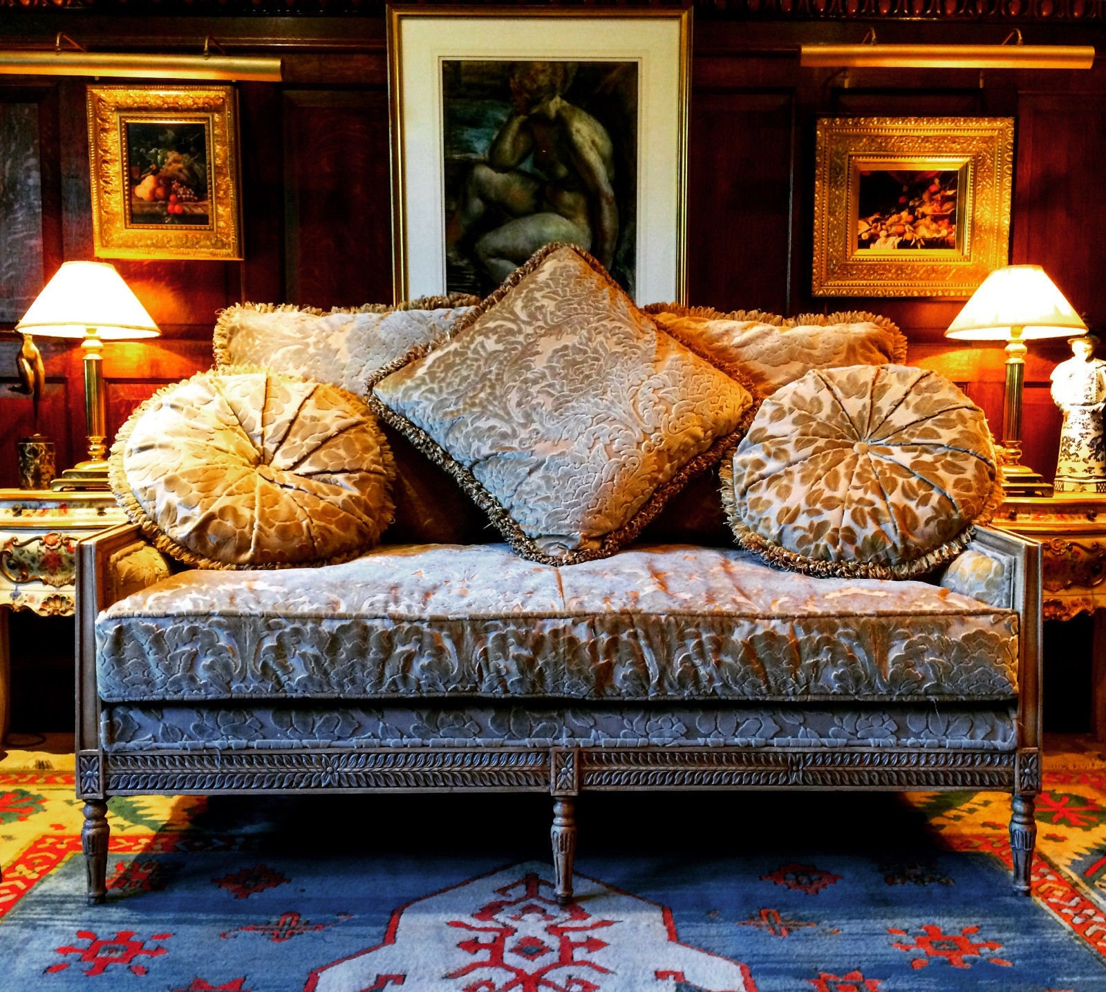 Stunning Antique Style French Sofa Settee Salon Three Seater With Five Cushions