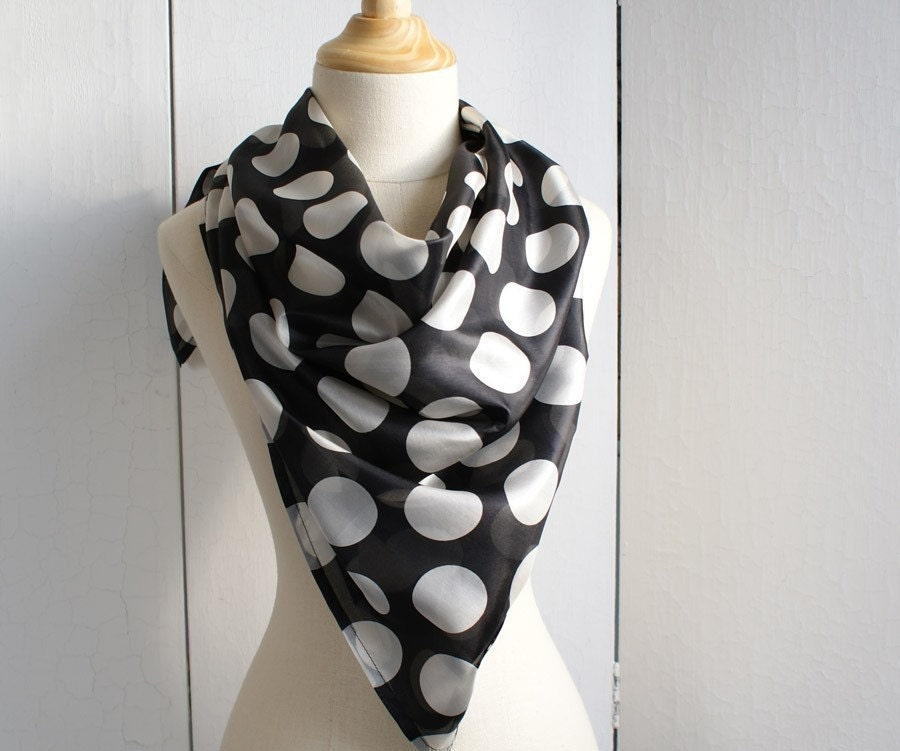 Super chic silk scarf in black and white polka dot