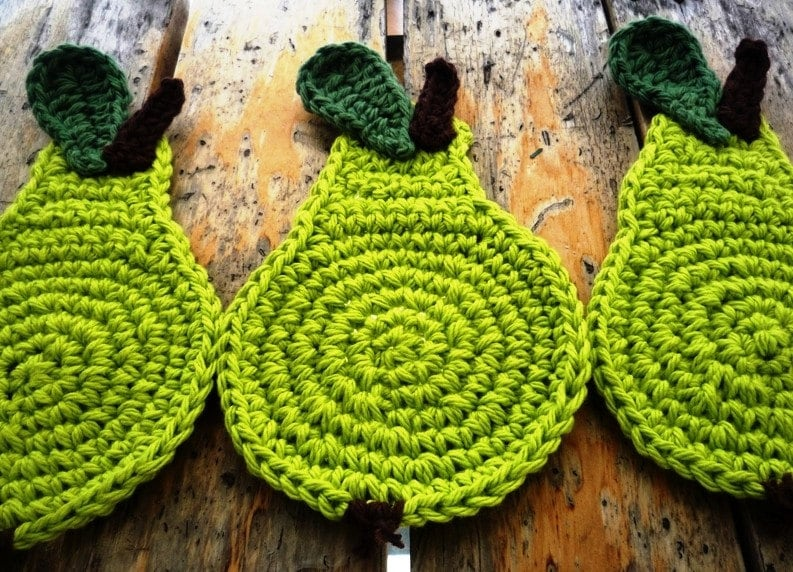 Pear Coasters - green set of 4