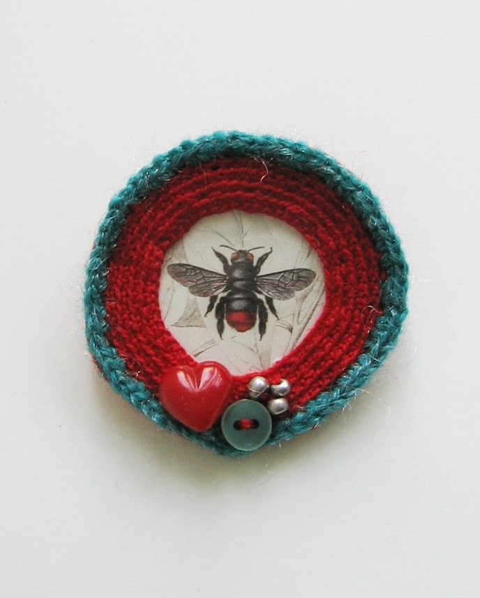 Turquoise-Red Fly pin