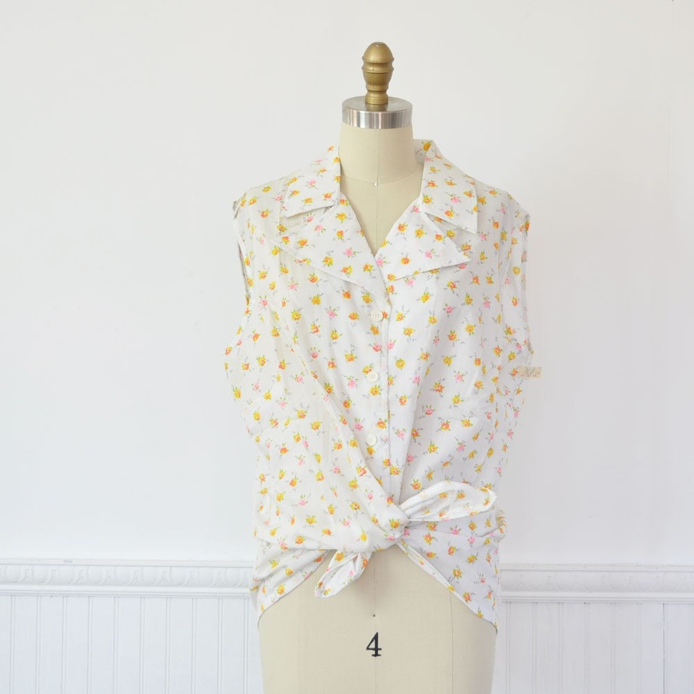 Vintage MINI FLORAL Plus Size Sleeveless Blouse by MariesVintage from etsy.com