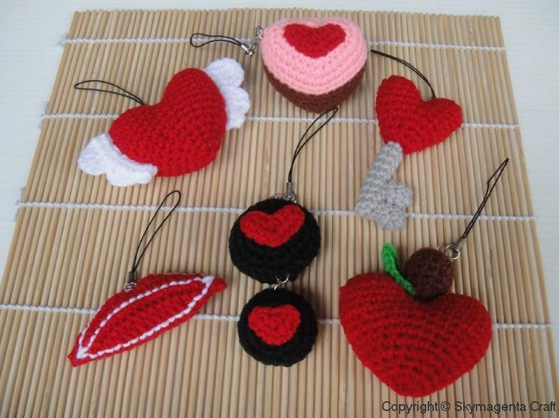 Miniature Crochet Pattern- VALENTINE  1 - Cell Phone Charm - pdf