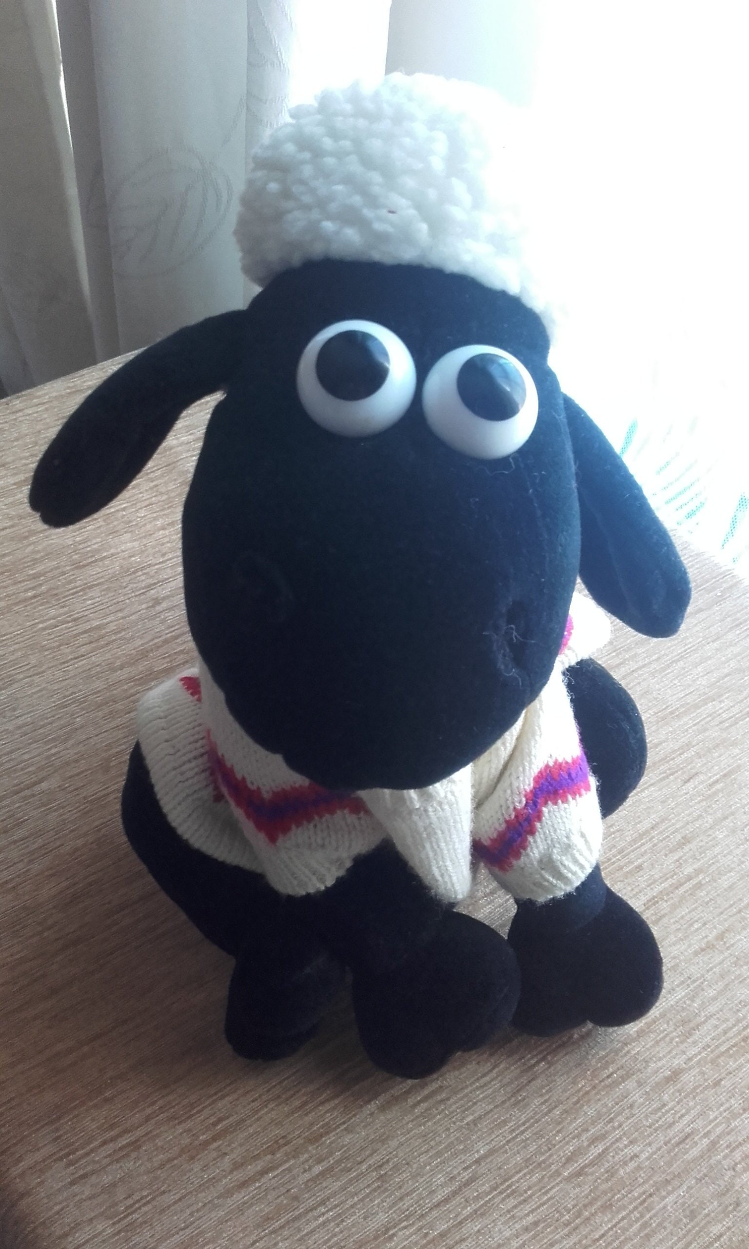 Wallace and Gromit Vintage Shaun The Sheep Stuffed Cuddly Soft Toy. 1989. Made by Born to Play TM. Plush Clean Condition.