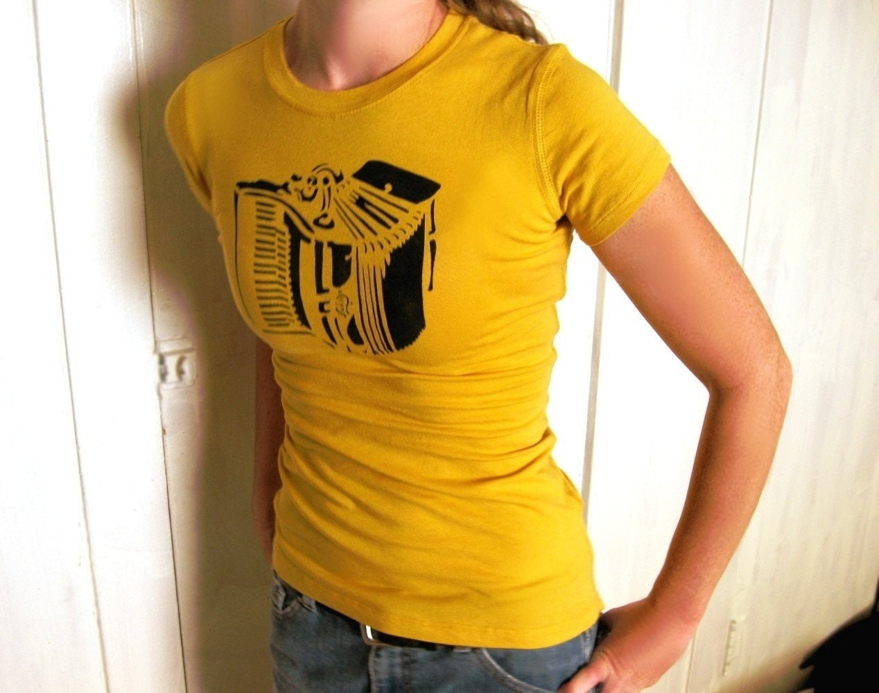 mustard yellow accordian stenciled short sleeve t
