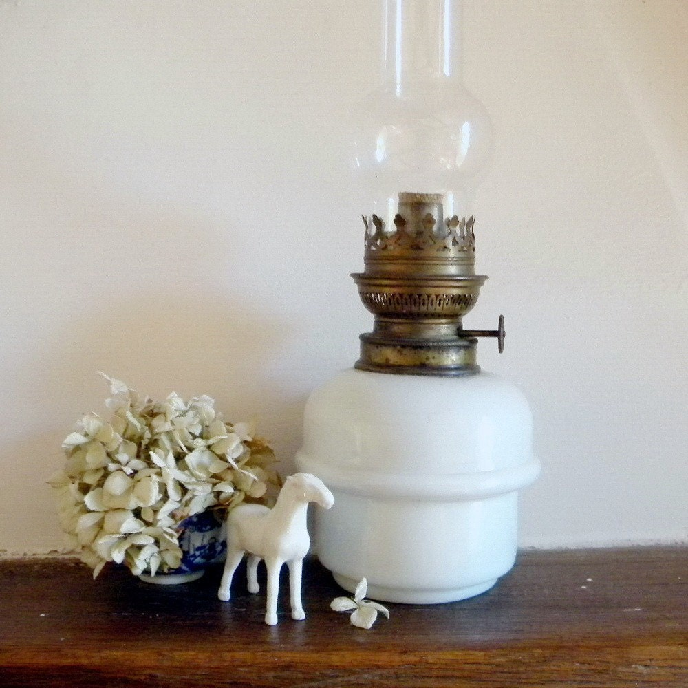 Vintage white milk glass lamp