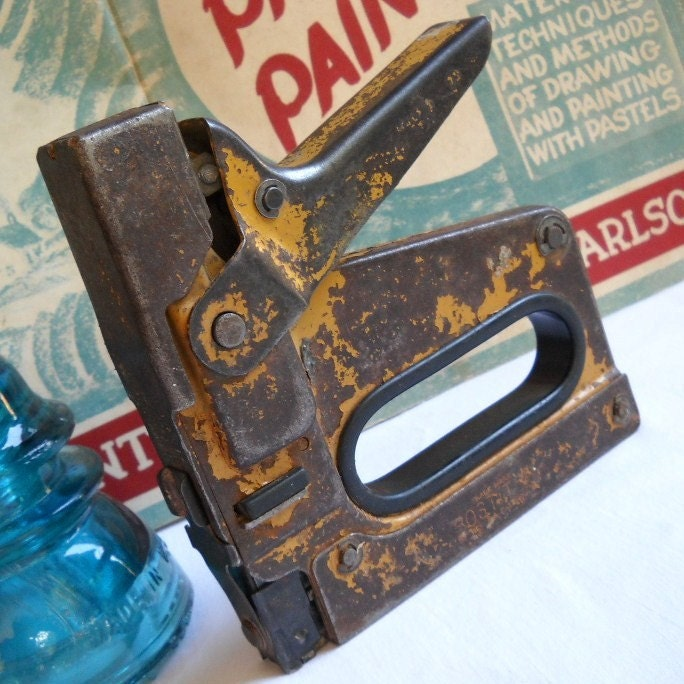 Vintage Bostitch Mustard Yellow Chippy Paint Rusty Staple Gun Stapler