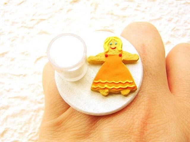 Kawaii Cookie Ring Gingerbread Girl Milk