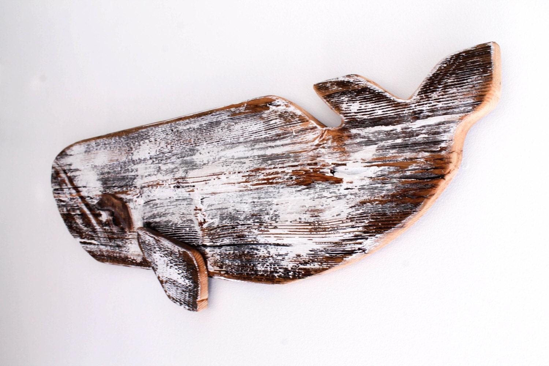 Baleias de madeira reciclada na decoração da casa de praia  #A25229 1500x1000