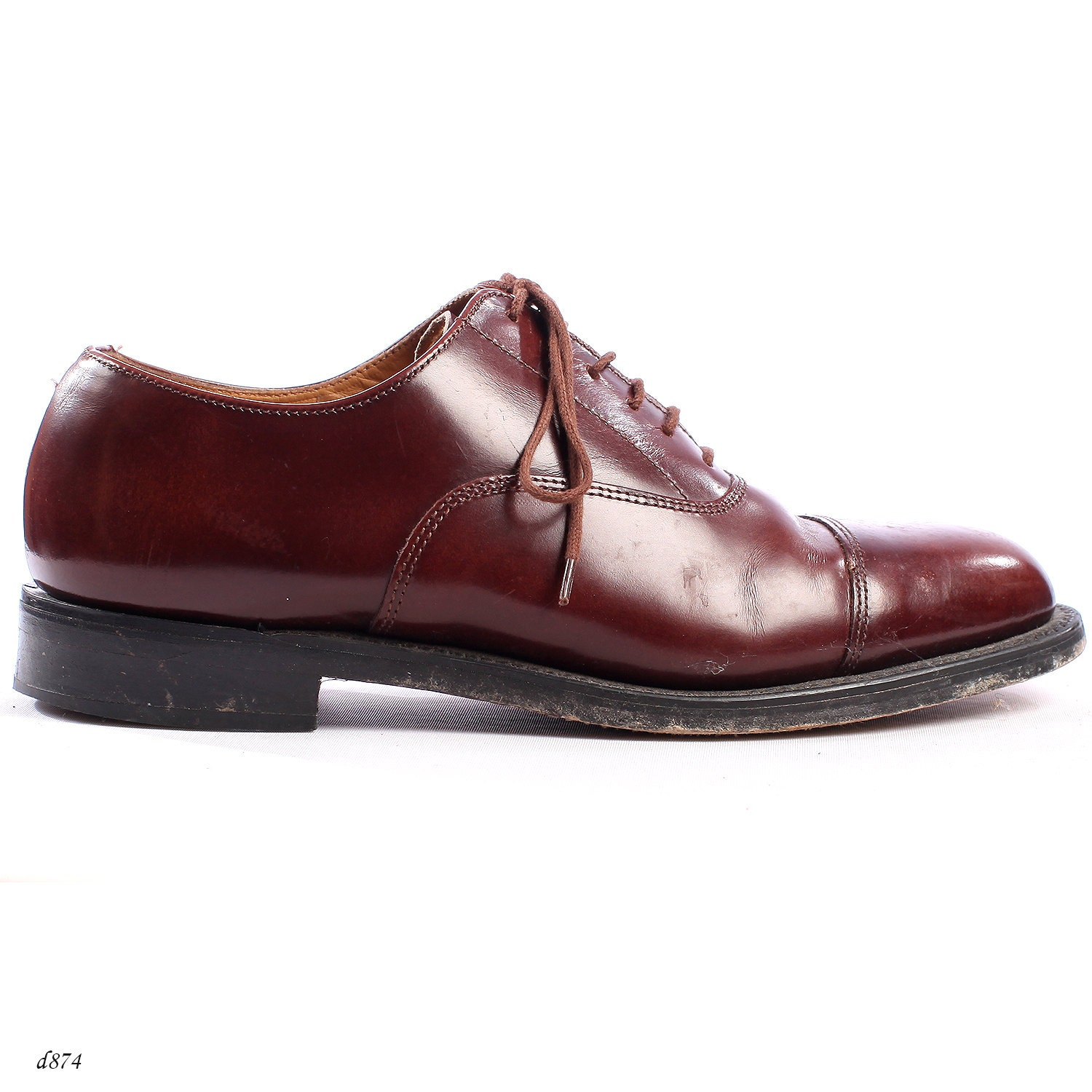 Oxford Shoes . Leather Brogues Oxfords . Vintage Brown Derby Shoes