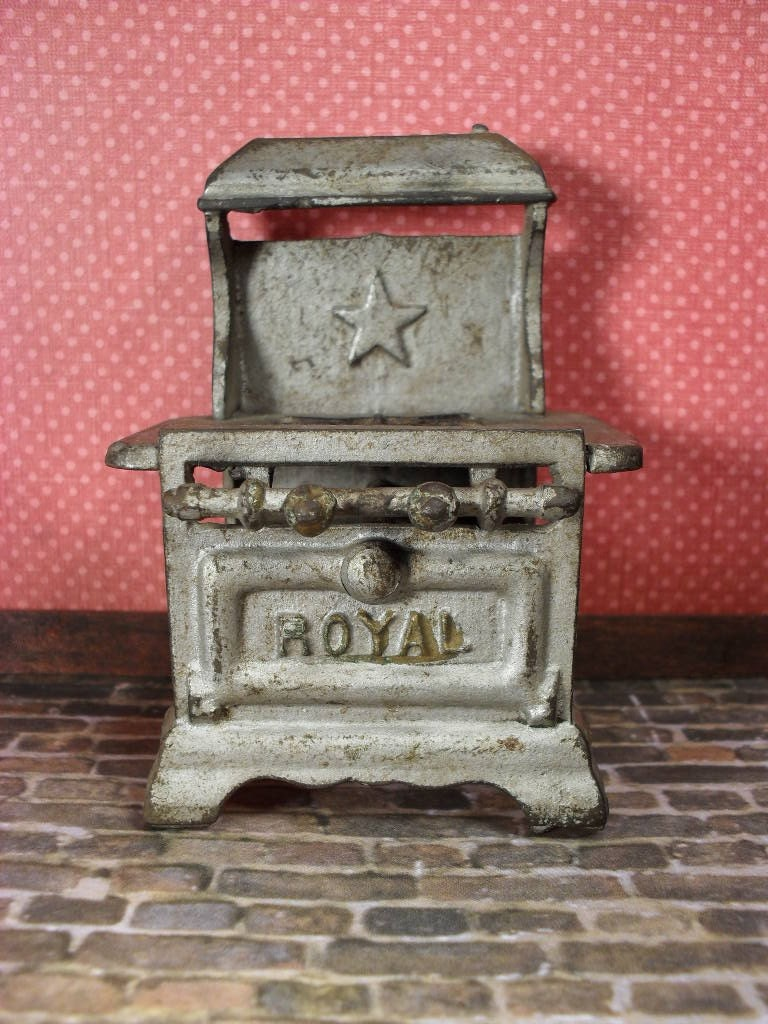Vintage Miniature Cast Iron Royal Gas Stove For By Thetoybox