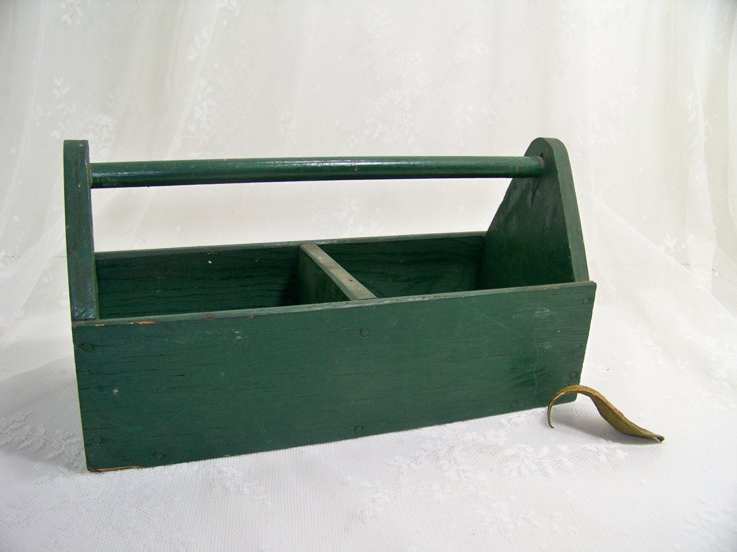 Vintage wood tote box small tool box garden box by for Small garden tool carrier
