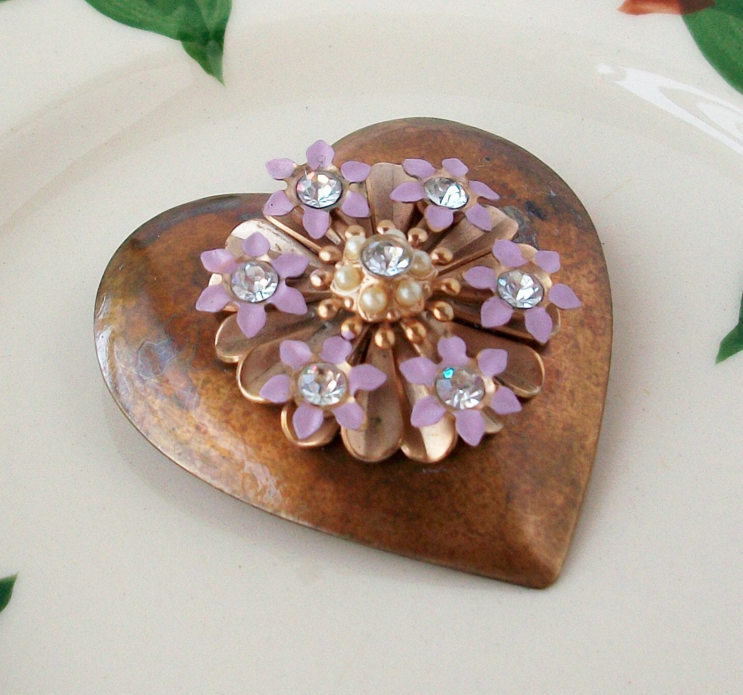 HEART n FLOWERS BRASS BROOCH