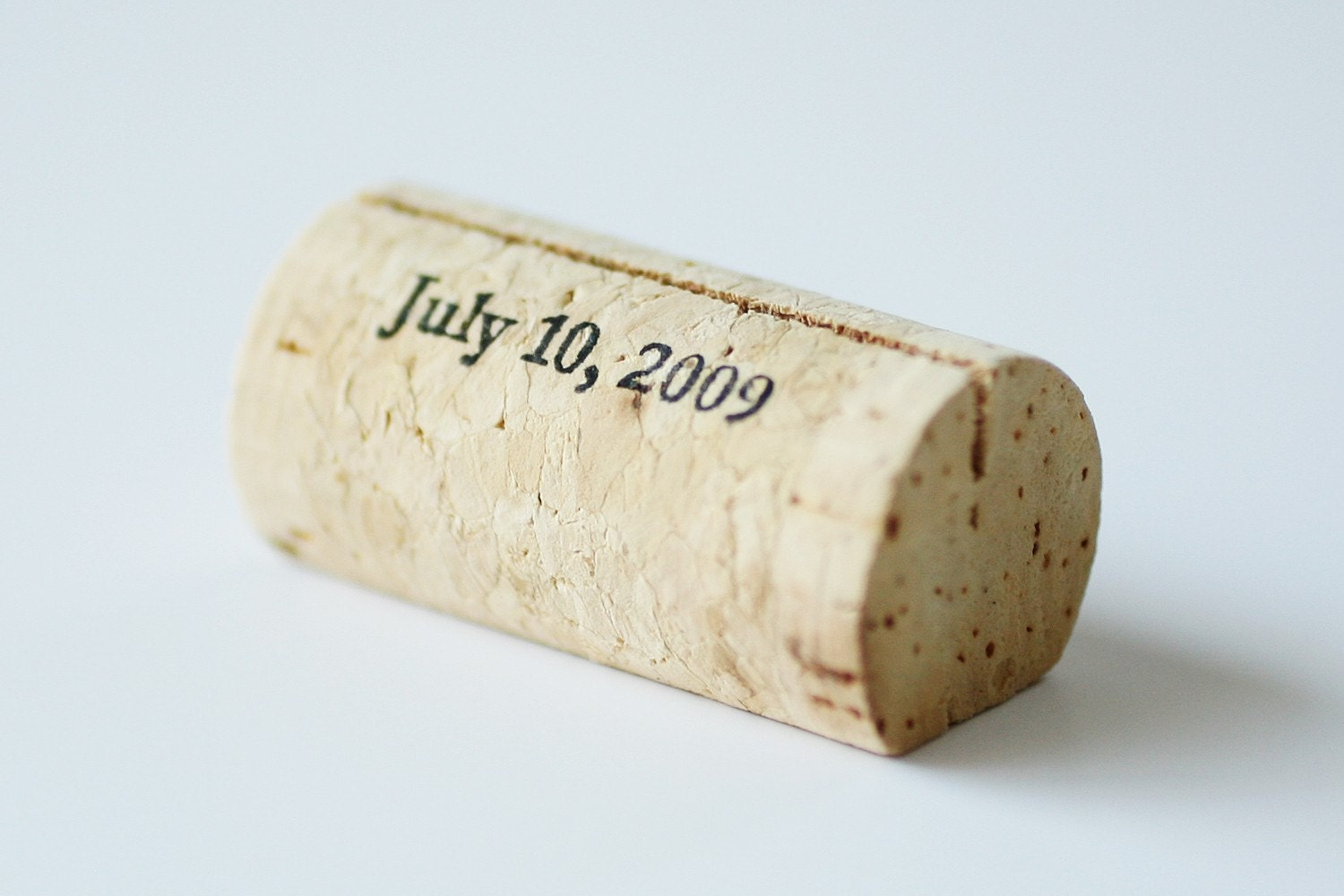 You Totally Should Its Full Of Useful Information Ideas And Other Resources For Planning A Handmade Wedding Like These Wine Cork Placecard Holders