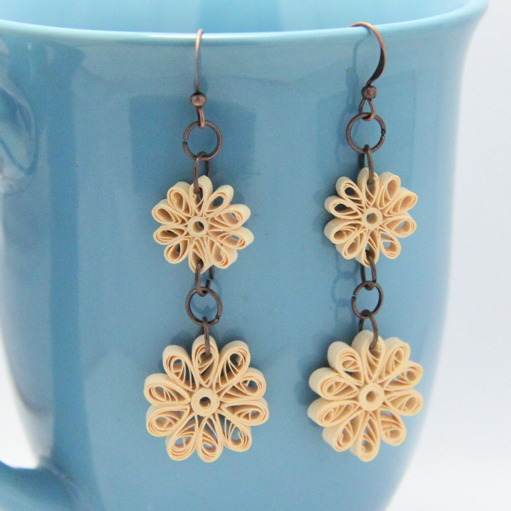 Vintage Lace Flowers Dangle Earrings - Paper Quilled