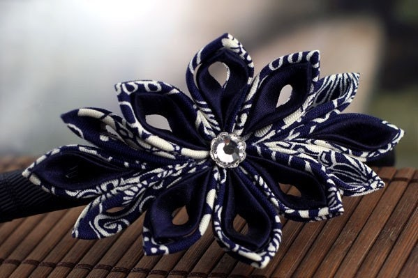 Navy Star - Tsumami Kanzashi Flower Headband