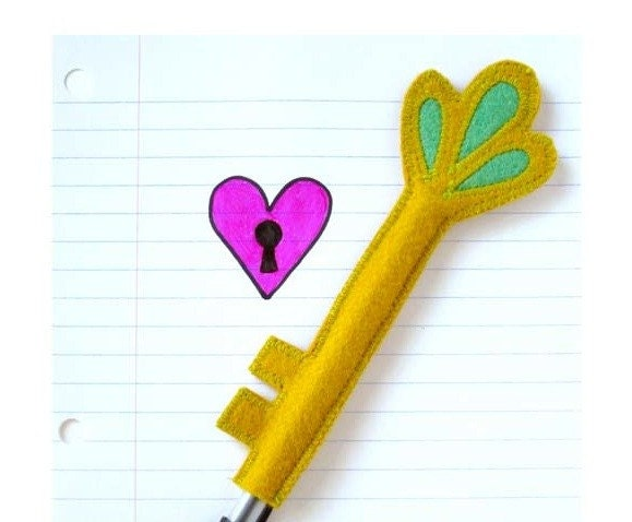 skeleton key pen cozy