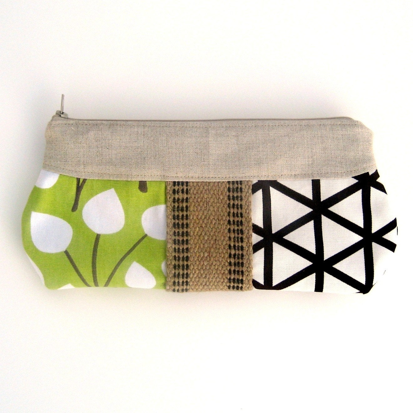 Modern Leaves clutch with jute detail