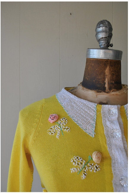 vintage women's cardigan in yellow with peter pan collar and flower embroidery