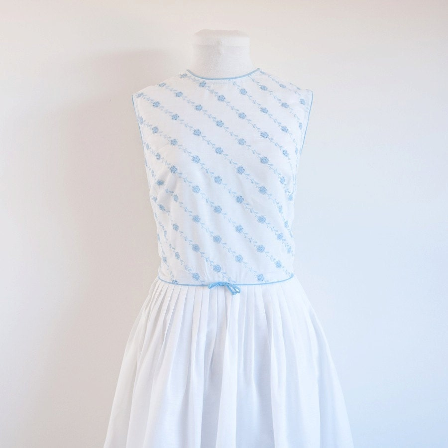 Vintage 1960s dress / white embroidered / 60s blue floral dress